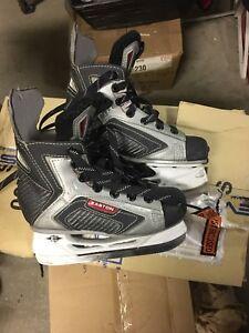 Boys Easton Skates