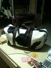 Travel bag in cowhide Bonogin Gold Coast South Preview