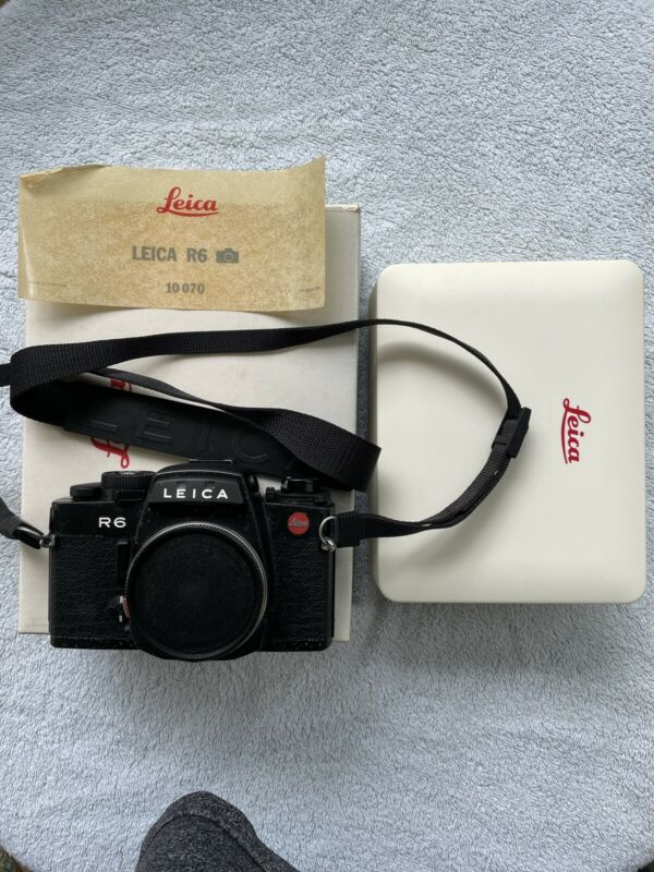 Leica R6 35mm SLR Film Camera Body Parts Only