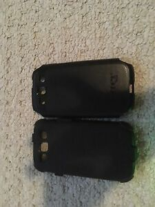 Samsung s3 black otter box 20$