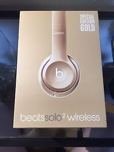 Beats Solo 2 Wireless Headphones in Gold - SPECIAL EDITION