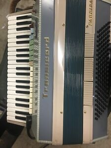 Farfisa Transicord Piano Accordion