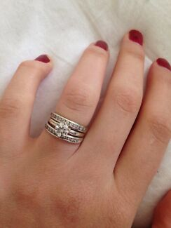Real diamond ring set size k Gladstone Park Hume Area Preview