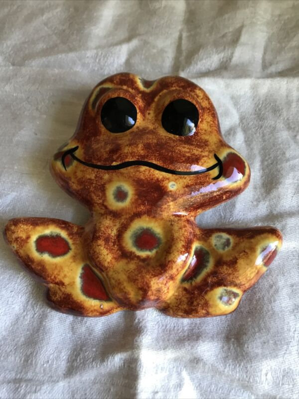 """4 1/2"""" Tall Vintage Ceramic Macrame Bead Cute Frog New Old Stock"""