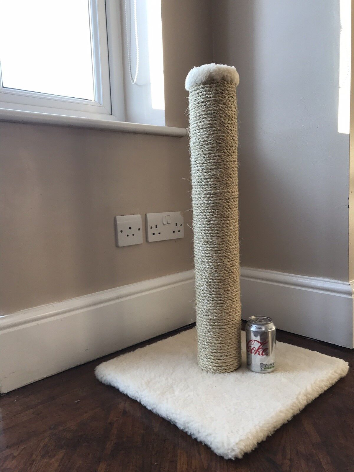 6mm Sisal rope Large Cat Scratcher Scratching Post 660mm Tall,