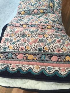 King bed quilted bedspread
