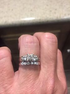Wedding and engagement set in white Gold