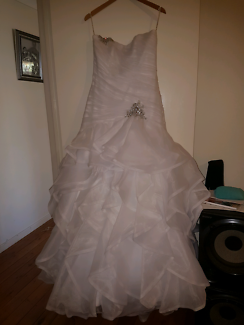 For sale wedding dress