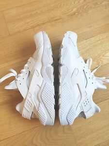 NIKE HUARACHE MENS size 12.5 triple white RUNNING SHOES