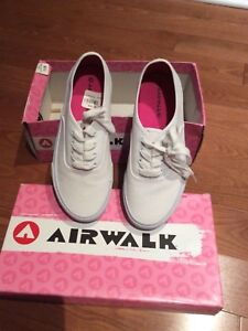 New Ladies/ Woman's White Airwalk Shoes for Sale