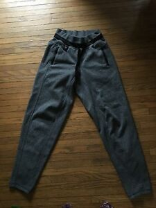 Lululemon dark grey salt and pepper sweat pants