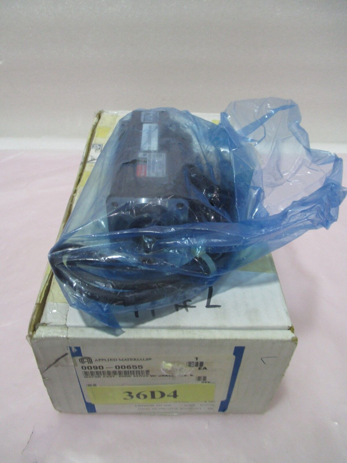 AMAT 0090-00655 Motor Assembly, 200w, Servo W/ Brake, Sanyo Denki, 421898