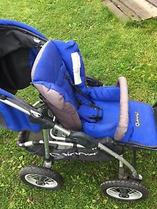 Quinny Stroller with Car Seat and Base
