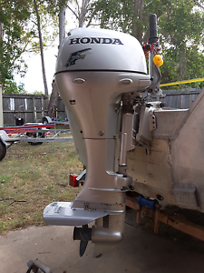 Honda fourstroke outboard boat tinny motor Deception Bay Caboolture Area Preview