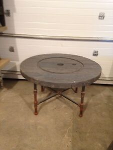 Antique Finish Spool Table