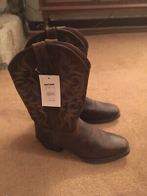 Justin Boots US11.5cowboy boots-brown leather,rubber-sole,feather-stitched shaft