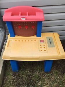 Little tikes saw table