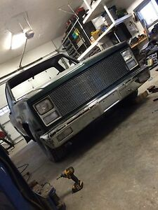 73-87 Chevy / Gmc square body front bumper.