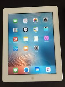 White IPad 2 Gen ,16Gb Like a Brand New Condition