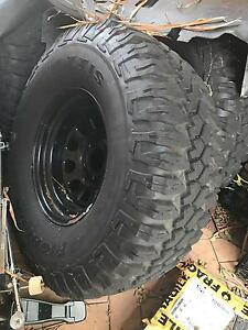 """35"""" maxxis bighorns x 5 (315/75r16) and 16"""" wheels Forest Lake Brisbane South West Preview"""