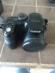 Camera FUJIFILM Finepix S1000 FD