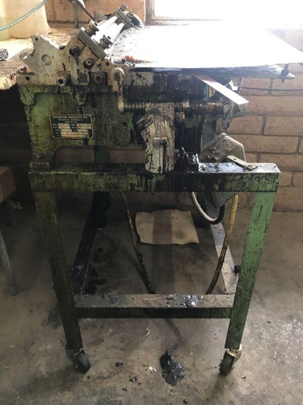 Potdevin hot Glue Machine