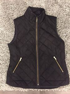Old navy vest size small