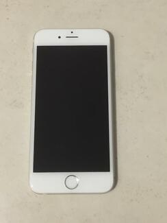 iPhone 6 silver 64G (Unlocked and immaculate)