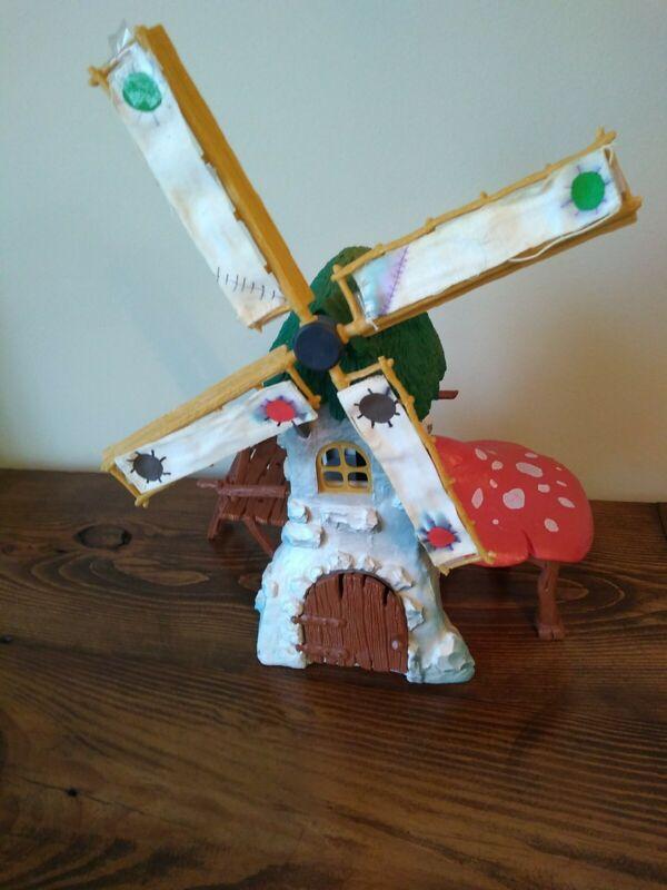 Vintage 1981 Schleich Peyo Smurfs The Original Windmill
