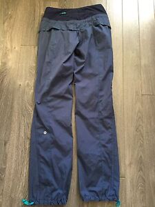 Lululemon Pants size 4 ladies