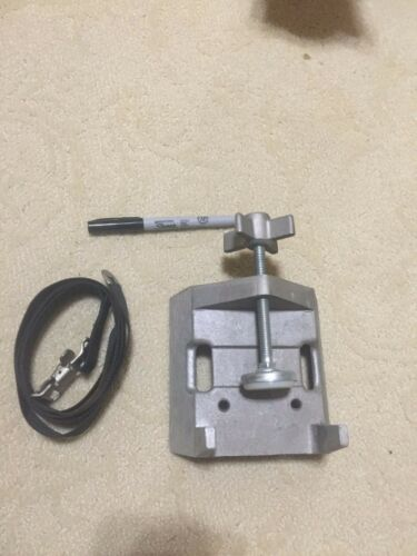 Gas Cylinder Bench Clamp,6 1/4 H, Cast Aluminum