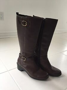Clark's Brown Leather Boots Size 8
