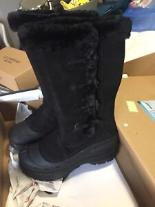 Baffin boots (NEW)