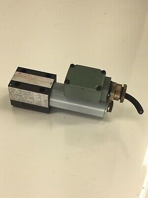 Sumitomo Directional Solenoid Valve, SD4SGS-AcB-01N-D24AZ-14, Used