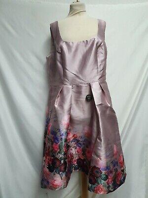 Chi Chi London Plus Midi Dress With square neck UK20 Gr.48 Neu mit Etikett - Plus Square Neck