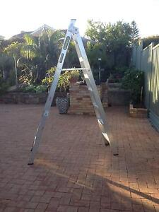 GORILLA STEP LADDER - 8FT DOUBLE SIDED Sorrento Joondalup Area Preview