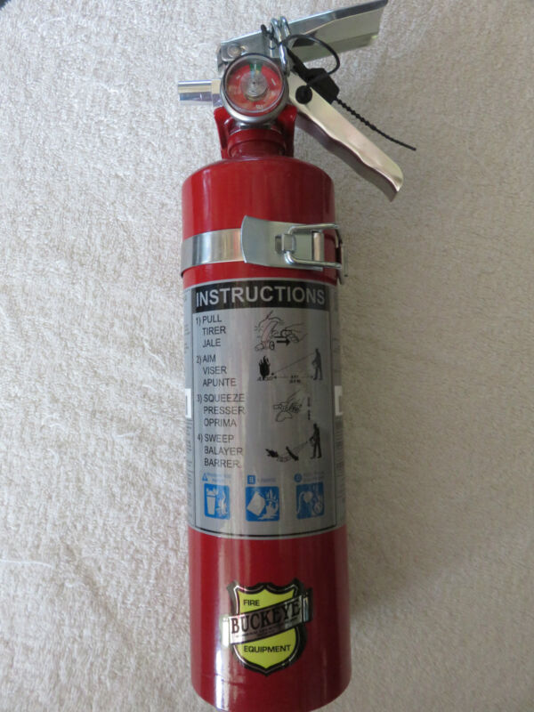 "NEW 2020 ""BUCKEYE"" 2 1/2-lb ABC FIRE EXTINGUISHER WITH VEHICLE BRACKET"