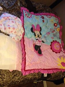 Minnie Mouse crib bedding and bumper pads