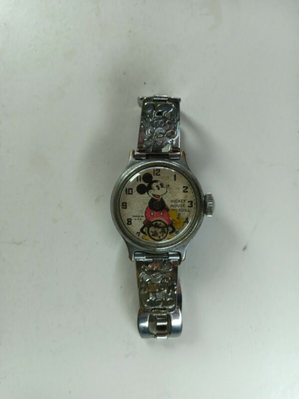 1930s Ingersoll Mickey Mouse wristwatch WORKING but with free range minutes hand