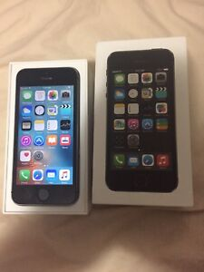 iPhone 5s Bell / MTS like new