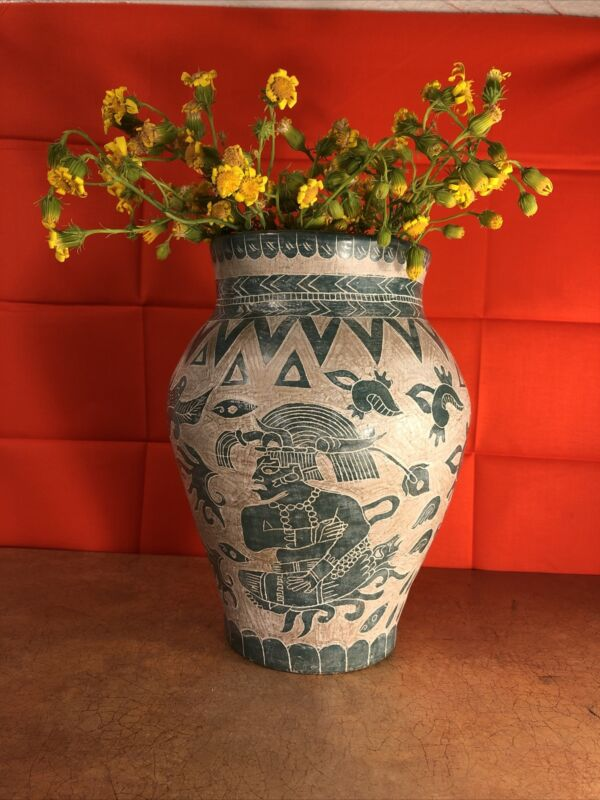 """Aztec Pottery Hand Crafted Flower Vase.10""""inch Tall"""
