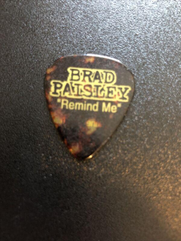 BRAD PAISLEY remind me Carrie Underwood tour Guitar Pick Brad