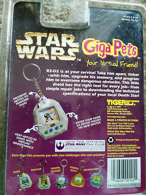 Brand New Star Wars Giga Pets Model 70-137 Virtual Pet R2-D2