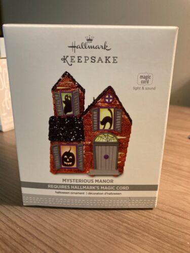 Hallmark 2017 Mysterious Manor Magic Cord Keepsake Halloween Ornament QF05252