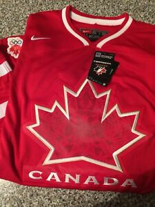 Team CANADA souvenir hockey jersey
