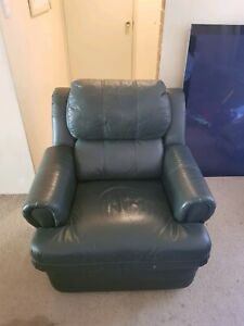 2 x Lazy boy genuine leather recliner lounge chair Joondanna Stirling Area Preview