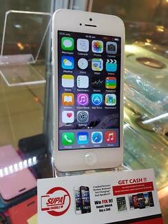 CHEAP AND GOOD CONDITION IPHONE 5 32GB WHITE WITH SHOP WARRANTY