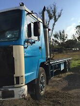 Volvo 1987 FL7 table top floor container pins 40 foot truck parts Horsley Park Fairfield Area Preview