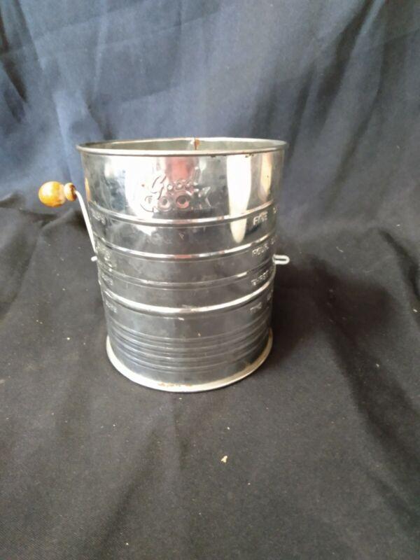 Vintage GOOD COOK Flour Sifter 5 CUP Wood Knob Hand Crank EUC Farmhouse Decor