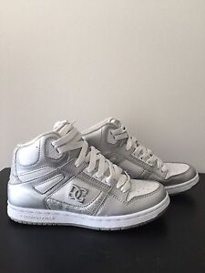 DC HIGH TOP, size 8.5